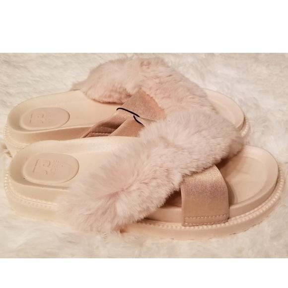 ab1eb252bcf Joe's Jeans Fur Slides Blush Pink Platform Sandals NWT